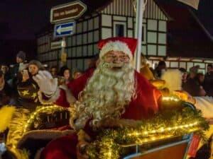 Weihnachtsmann in Schlitten